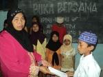 Pengurus Muslimat Turut Memberi Penghormatan